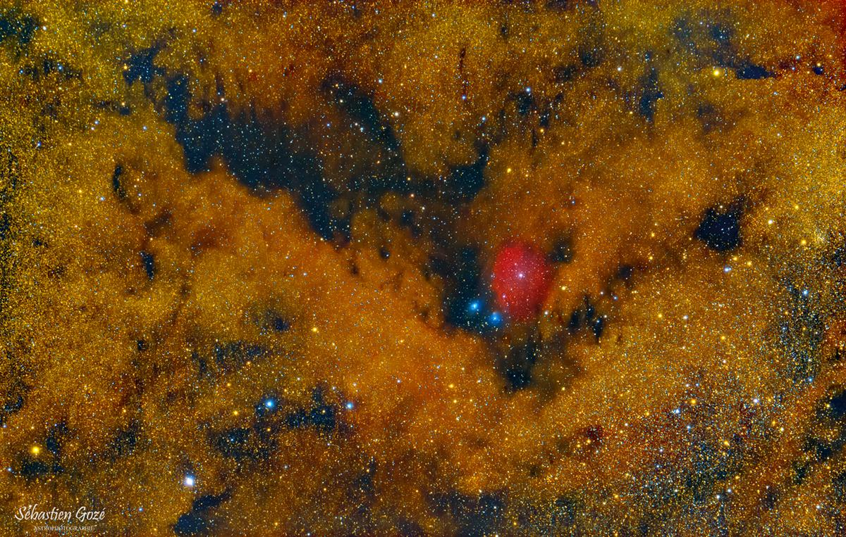 M24 - IC 1284 dans le sagittaire Zone%20noire_finale3_copyr_forum